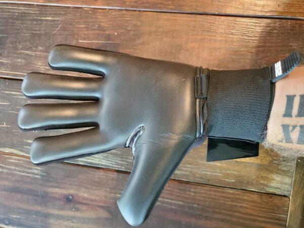 Interceptor Gloves